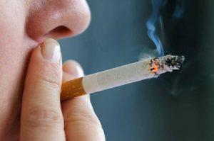 تاثیر سیگار روی آکنه