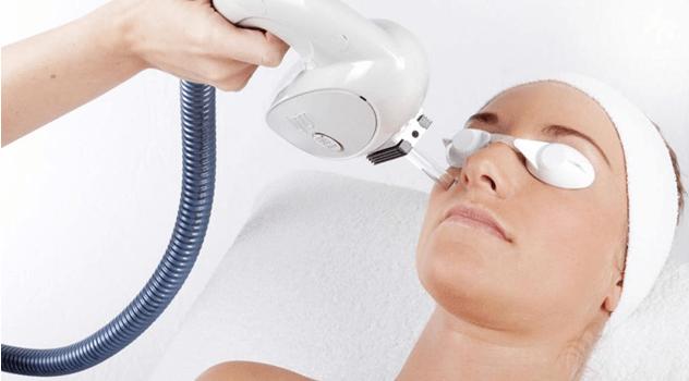 خطرناک ترین عوارض لیزر صورت که باید بدانیم